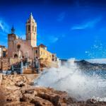 ¡PENSIÓN COMPLETA! Vacaciones en Sitges: Hotel 4* junto al mar con desayuno, almuerzo y cena por 55€ p.p./noche